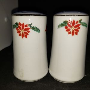 None Kitchen - Christmas holly gold  trim salt n pepper shakers